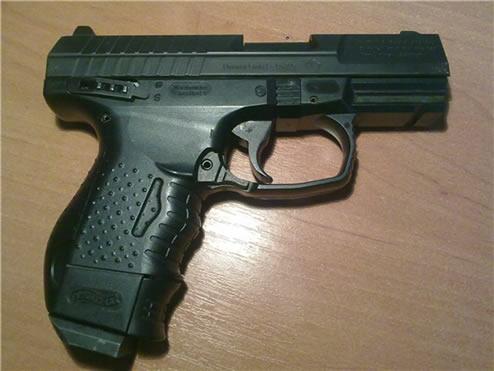 Пистолет пневматический Walther CP99